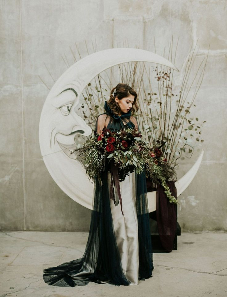 Antal Whattas This? Izing Tim Burton-Inspired Spooktacular Wedding
