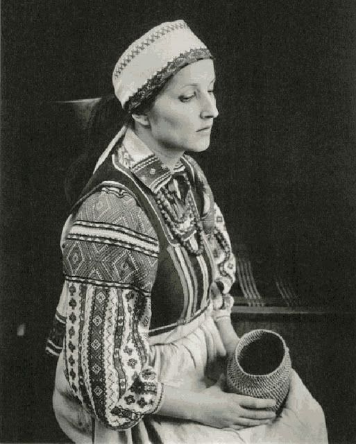 Local fashion: Traditional headdresses of Belarus