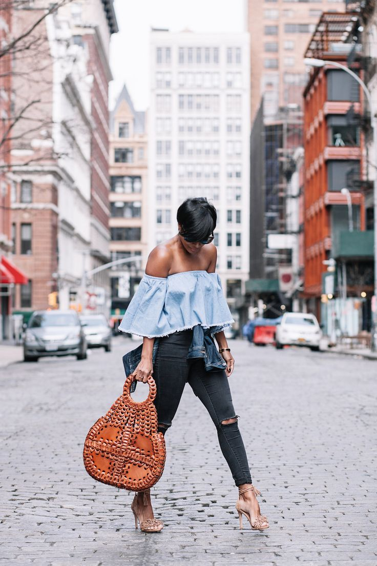 ALL IMAGES BY DENISSE BENITEZ HANDBAG PATRICIA NASH JEANS TOP SHOP TOP WINDSOR STORE (Sold out coming back soon) HEELS STEVE MADDEN (LULUS) DENIM JACKET ARITZIA