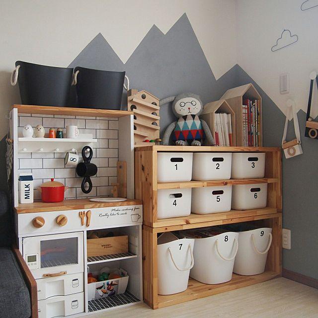 カラーボックスでできる 手作り机の簡単アイデア実例集 子供部屋のデコレーション 子供部屋 収納 アイデア インテリア 収納