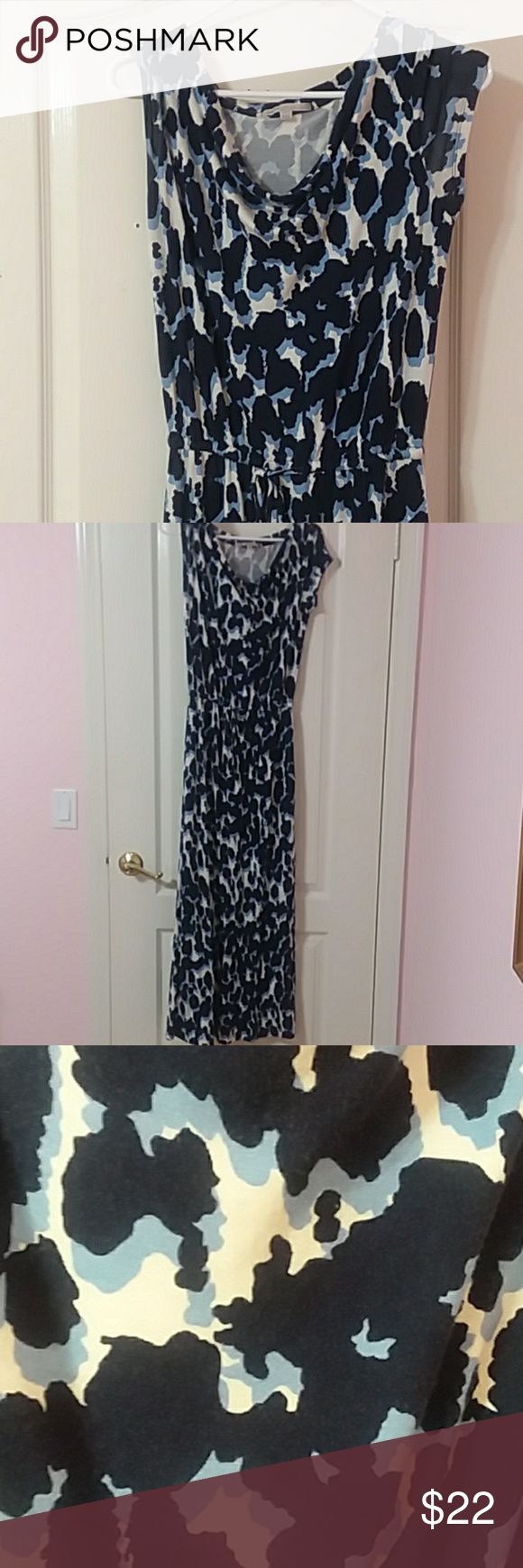 Gap navy blue xs animal print maxi dress Gap navy blue animal print xs maxi dress. Guc. Some fading from wash and wear. Smoke free pet friendly home. Ties at waist. Approximate measurements 16 inches from pit to pit. From shoulder to bottom hem 52 inches. Dress maxi print animal xs navy blue gap. GAP Dresses Maxi
