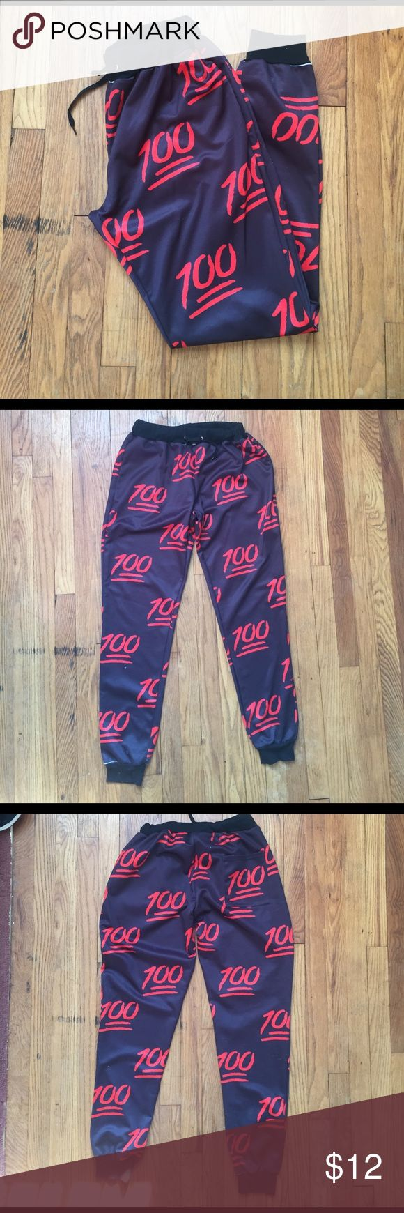 💯 Print Jogger Sweatpants Size S 💯 Keep it 💯 💯 Shows signs of wear  💯 Pilling and snags Pants Sweatpants & Joggers