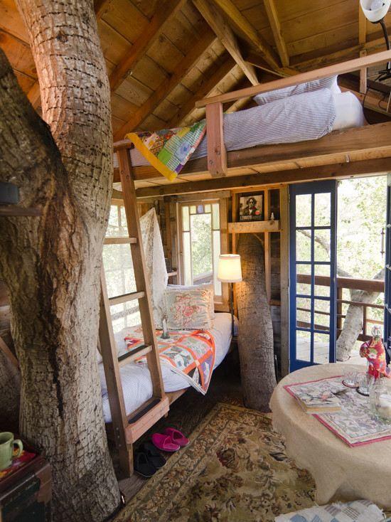 Chambre à  coucher de la cabane en bois