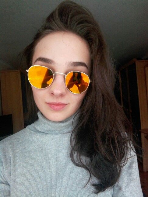 Girl trend summer eyewear! Item specification: Style: Round Frame Material: Alloy Lenses Material: AC Frame Color: Gold Lens Color: Pink Mirror Lens Height