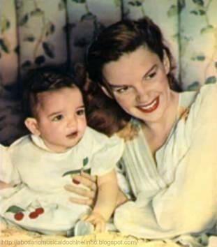 Judy Garland with daughter Liza Minnelli