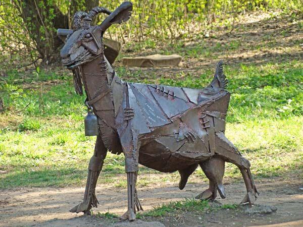 Памятник козе - Ижевск