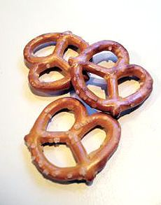 April 26: National Pretzel DayOn this day in 2003 Pennsylvania Governor Ed Rendell declares April 26 National Pretzel Day to acknowledge the importance of the pretzel to the state's history and economy. http://www.chiff.com/home_life/holiday/national-pretzel-day.htm