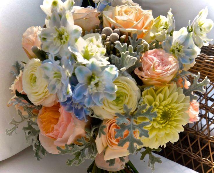 Bride bouquet with blue shades    Букет невесты для свадьбы с голубыми оттенками    Ramo de novia para boda con colores azules