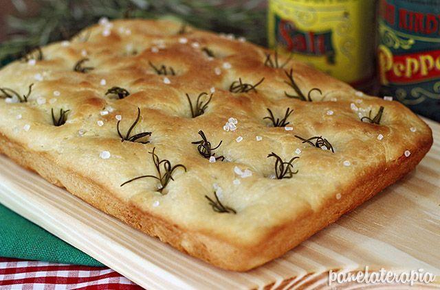 Focaccia - PANELATERAPIA - Blog de Culinária, Gastronomia e Receitas: Focaccia com Alecrim e Sal Grosso