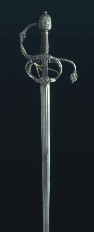 Swept Hilt Sword, 17th Century, Steel, Silver, 126.5 cm, Inventory Number 2536, Museo Lázaro Galdiano, Madrid.