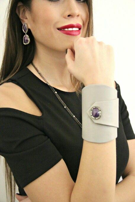 Bracciale in pelle con centrale in radice di rubino e diamanti Www.nesluxury.com