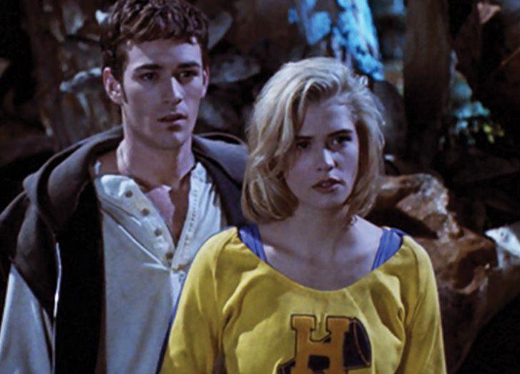 Buffy vampire slayer film movie classic 90s vampire zombie horror halloween