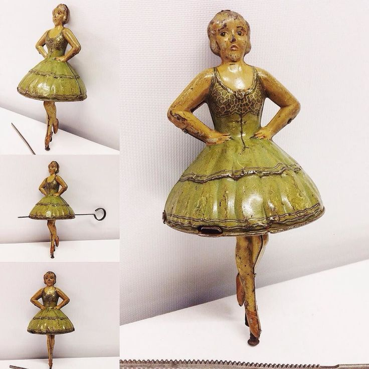 c1920s German #Technofix ballerina gyroscope spinning top. lot 472 in our #VintageToys #Antiques & #Collectables #auction next Weds. Catalogue available at townsend-auctions.co.uk  #antiquetoys #spinningtop #tinplate #tinplatetoys