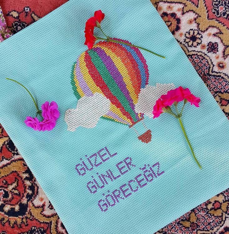 Yaz gelse de çanta sezonu açılsa  kitap kılıfları,yastıklar.. Sipariş için Dm. #kanaviçe #dekorasyon #decoration #evde #yol #siirsokakta #pembe #alışveriş #moda #ev #kitap #travel #kadin #kitapkurdu #embroidery #patchwork #çanta #kitapkokusu #vc #yagmur #tasarım #kampanya #gunesinkizlari #aksesuar #islam  #evdekorasyonu #kitapcandır #dost #bezcanta