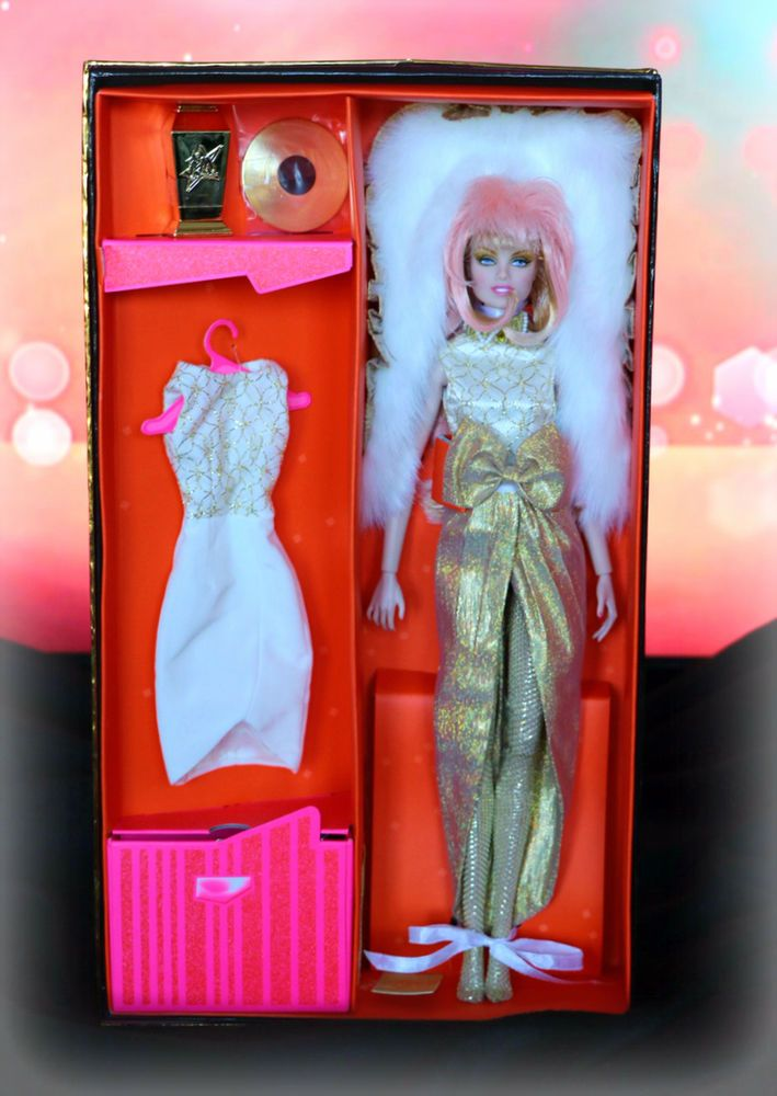 SDCC 2013 Jem and the Holograms Glitter 'N Gold Jem Doll Hasbro INTEGRITY TOYS #Hasbro #DollswithClothingAccessories