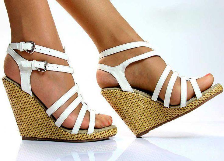 Женская обувь: босоножки на танкетке - Медицина 2.0