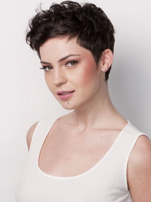 very short hairstyles for wavy hair Very Short Hairstyles Advantages
