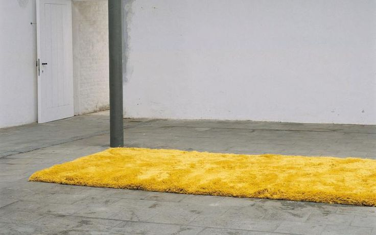 Luxusní žlutý koberec Plus od JoV vyrobený z novozélandské vlny / Luxury yellow Plus rug by JoV made of New Zealand wool  http://www.bocapraha.cz/cs/produkt/810/plus/