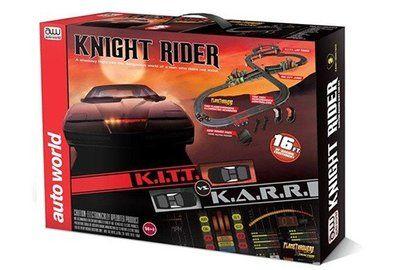 Knight Rider (16 Feet) racebaan Knight Rider, een schaduw vlucht in de gevaarlijke wereld van een man die niet bestaat. Michael Knight met zijn K.I.T.T. Voertuig op een kruistocht om de oorzaak van...