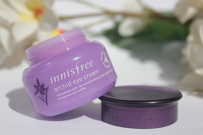 Worried of crows feet around the eyes ? #Innisfree orchid eye cream smooths eye area giving it health and hydration. Find out more here: http://www.brideeveryday.com/innisfree-orchid-eye-cream-review  #skincare #beautyblog