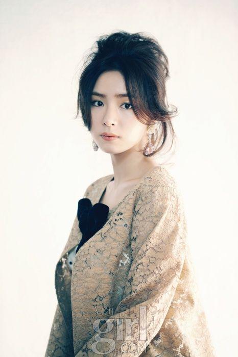 Shin Se-kyung // Vogue Girl Korea // March 2012