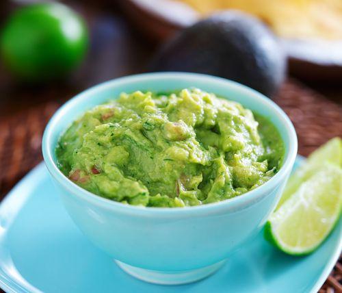 ¡Este guacamole sin cebolla te dejará sin palabras! 😶 #guacamole #guacamolesincebolla #recetasmexicanas #gastronomiamexicana #cocinamexicana #aguacate