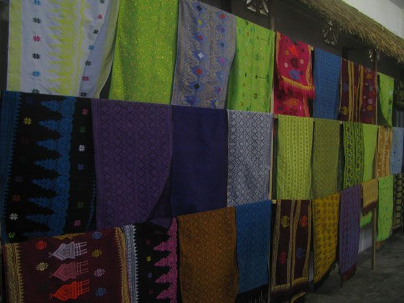 Lombok Hand Weaving 2