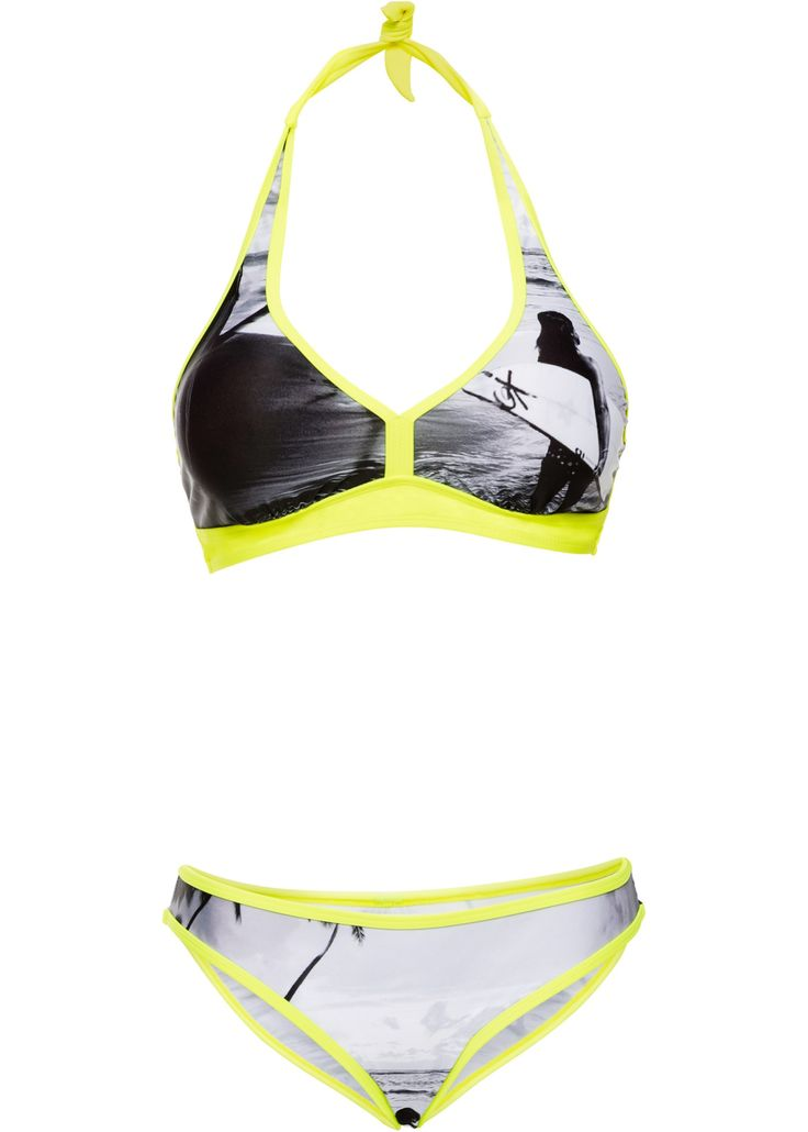 neongelber Neckholder Bikini Träger im Nacken zu binden. Mit Brustfutter und herausnehmbaren Softcups. Im Rücken mit einem weitenverstellbaren Verschuß mit einem Haken und 3 Schlaufen. Bikinihose in Basicform mit kontrastfarbenen Paspeln. #bikini