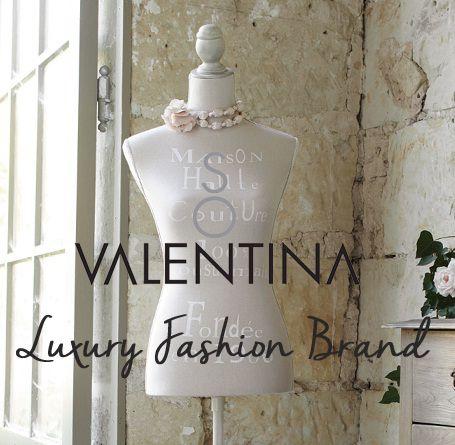 """Aphorisms of the brand """"So Valentina"""". """"So Valentina"""" the italian luxury fashion brand. 100% Glamour and Style. """"So Valentina"""" il brand di abbigliamento femminile del lusso italiano 100% Moda e Stile"""