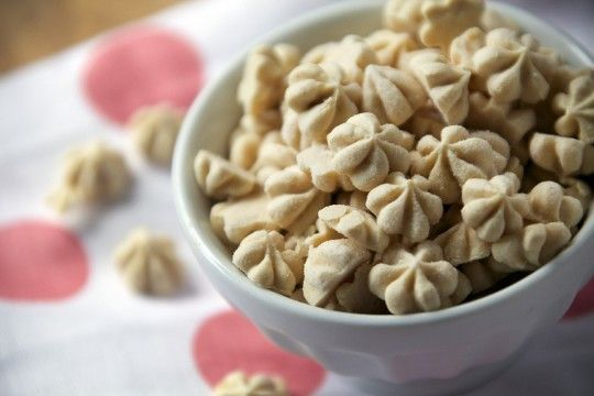 Peanut Butter Frozen Yogurt Drops - The Pescetarian and The Pig