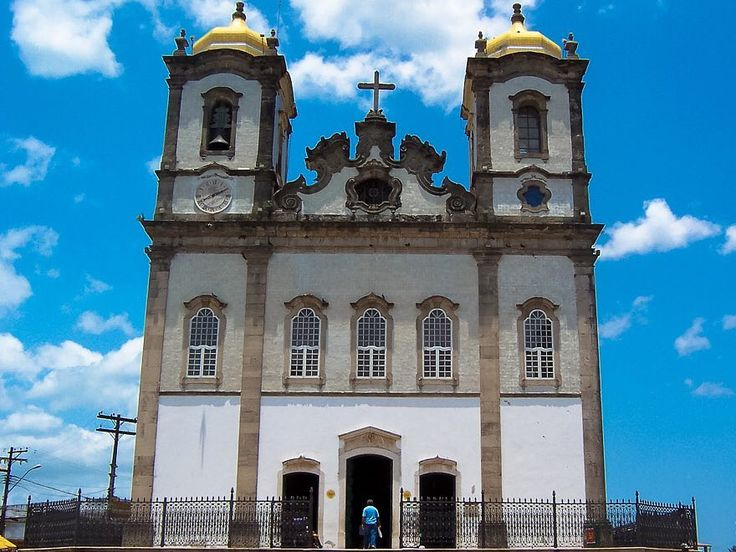 A foto da semana no blog é da Igreja do Nosso Senhor do Bonfim. Super importante na vida de Salvador e origem das famosas fitinhas da sorte. ------- The photo of the week on the blog is from the Church of Nosso Senhor do Bonfim. Super important in the life of Salvador and origin of the famous ribbons of luck. ------- #salvador #brasil #brazil #igreja #church #viagem #trip #travel #viaje #instatravel  #travelgram #igtravel #beautifulplace #traveladdict #traveltheworld #travelphotography…