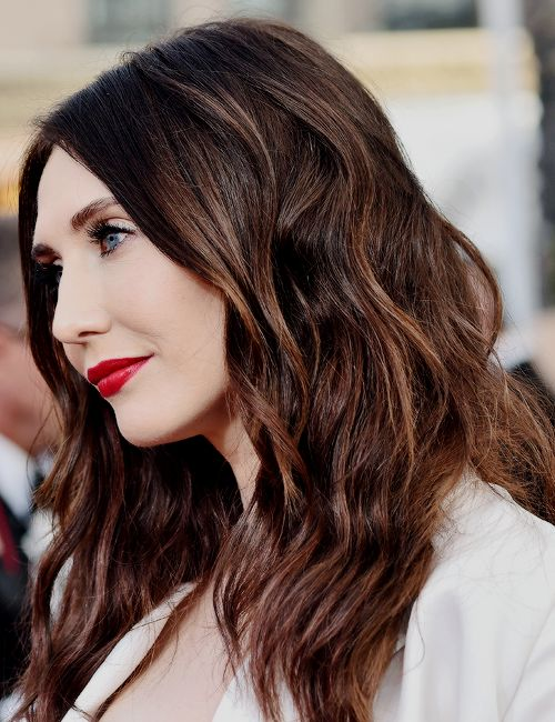 She's 40?!?! No wrinkles!