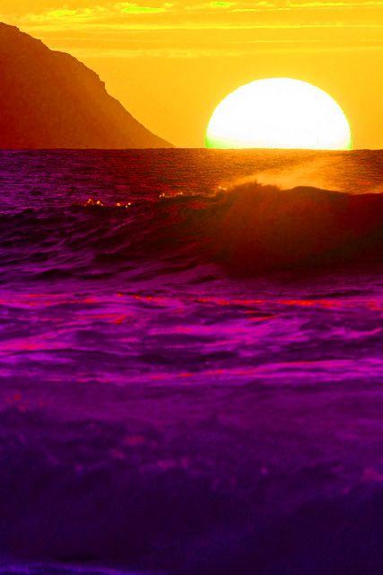 The wine colored sea   via tumblr
