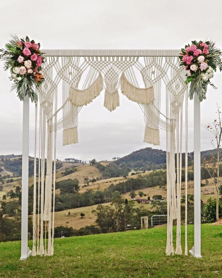 Wedding Altar Hire: Best 25+ Wedding Arch Decorations Ideas On Pinterest