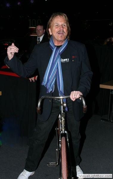 6 Berlin-Rennen mit Frank Zander http://www.historische-fahrraeder-berlin.de/