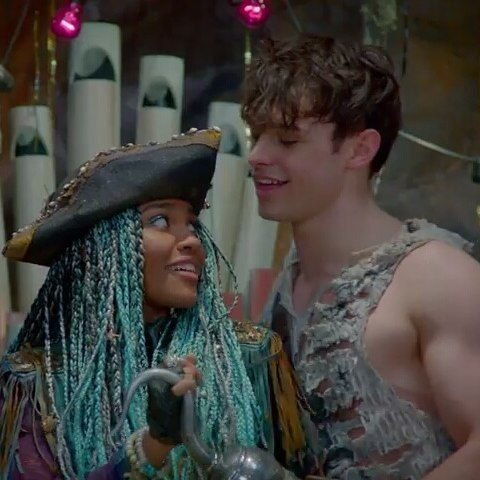 China Anne MicClain as Uma and Thomas Doherty as Harry Hook