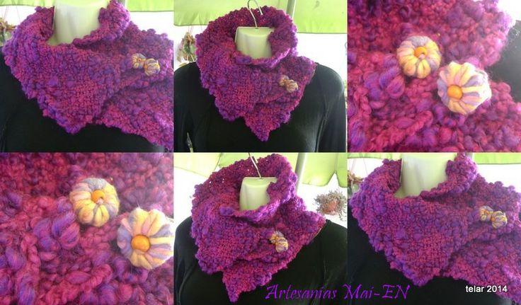 Cuello de lana, tejido a telar,con aplicación   de botones hecho a mano