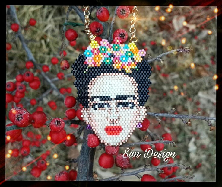 Frida Kahlo kolye #miyuki #frida #kahlo #beads #fashion #sundesign #takı #tasarım #boncuk #peyote #stitch #pattern #şablon #brick #moda