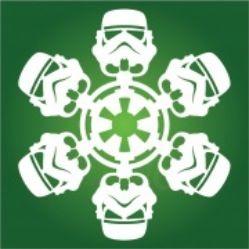 Новогодние украшения своими руками: снежинки в стиле «Star Wars». Дарт Вейдер, штурмовик, Боба Фетт, Хан Соло, Чубакка, имперские истребители и истребители повстанцев — отличный подарок для всех поклонников звездной саги и развлечение для всей семьи… или офиса ;)