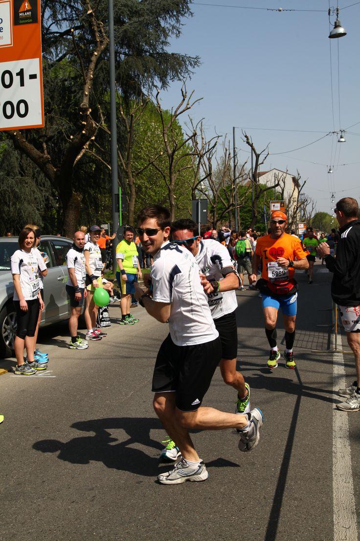 """Raccogli anche tu la sfida: corriamo insieme la Milano Marathon!  Manca ormai pochissimo, hai tempo solo fino al 5 aprile per iscriverti: www.humanaevents.org/milanomarathon/ Correndo con HUMANA contribuirai al progetto """"Cibo per l'istruzione"""" e garantirai un pasto quotidiano a più di 60.000 bambini in Mozambico: http://bit.ly/1xObtXS #milanomarathon #StaffettaMi #running #runners #maratona #retedeldono"""