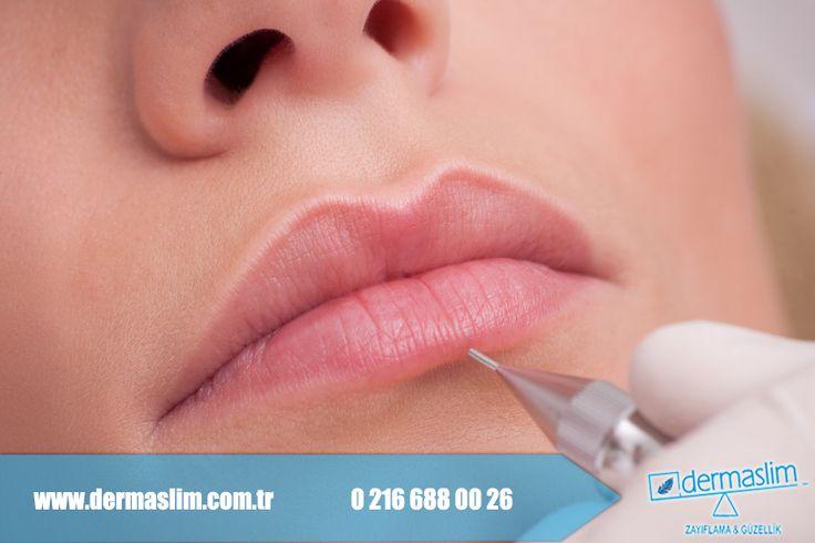 Doğal güzelliğinizi ortaya çıkarmak için Long Time Liner ! Kalıcı makyajda; dudakların pigmentasyonunda dudağa konturlama ve gölgeleme uygulanır. Pigmentasyon ile dudaklar optik olarak kalınlaştırılabilir ya da inceltilebilir. Ayrıntılı bilgi ve randevu için bizi arayabilirsiniz 0 216 688 00 26 #KalıcıMakyaj #dudak #kontur #micropigment