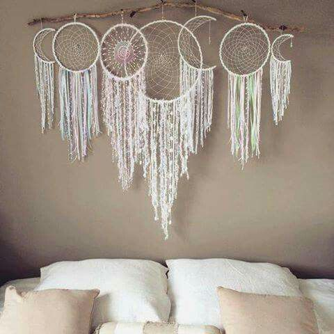 Another cool dream catcher idea using waxing and waning moon phases.