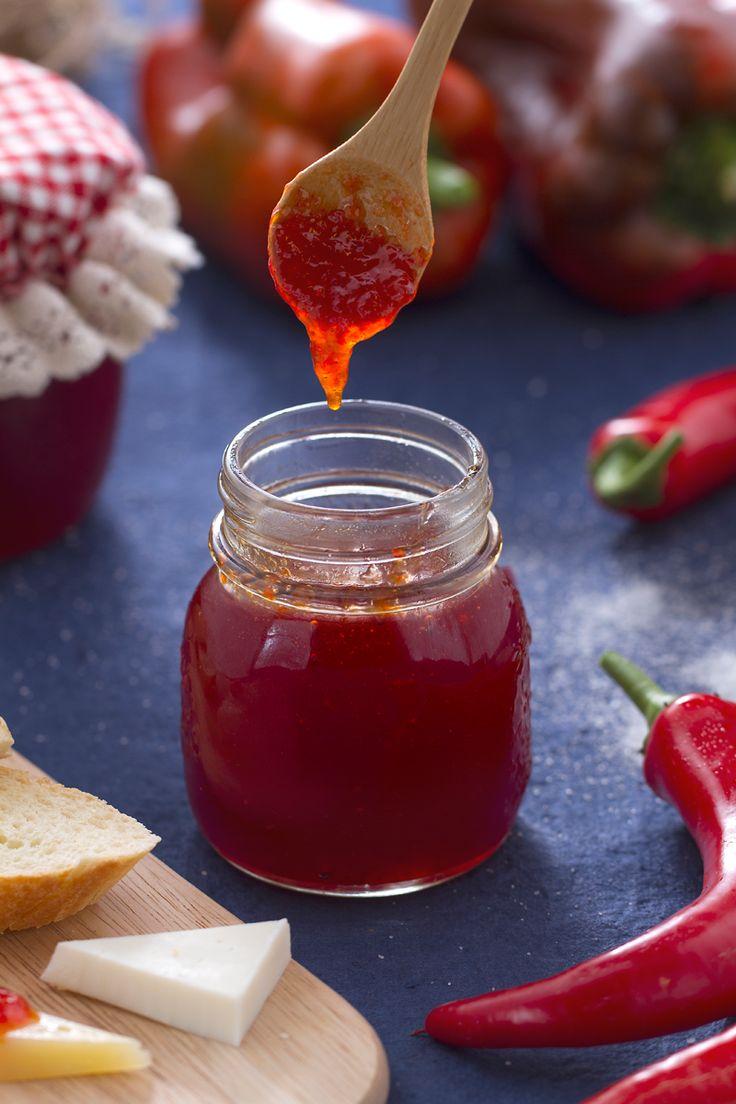 Peperoni e #peperoncino per una #marmellata al profumo di Calabria! (#chilli…