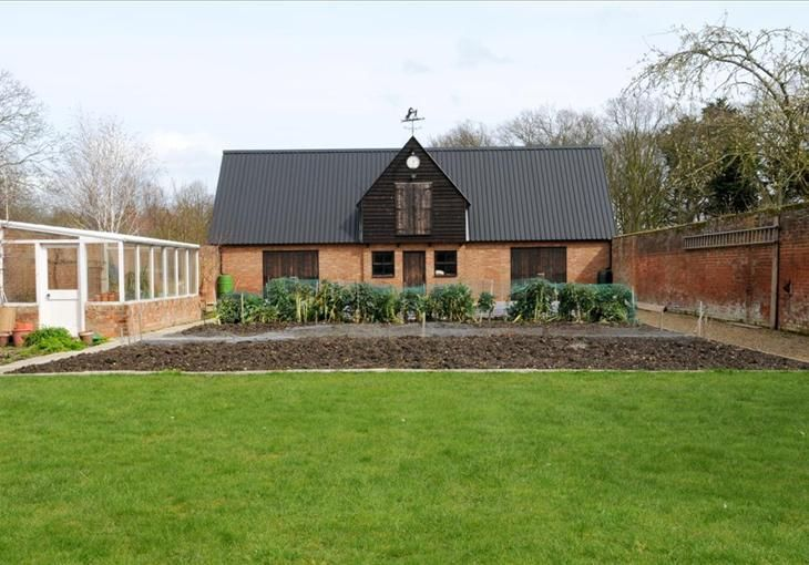 Southminster essex luxury homes pinterest barns and for Luxury barn homes