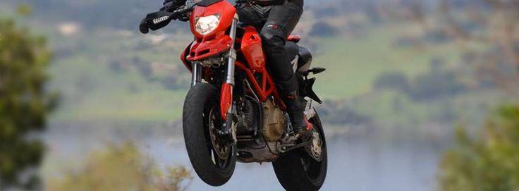 Ducati Hypermotard red   Per info: http://www.rent360.it/it/offerta/1989-Ducati-Hypermotard