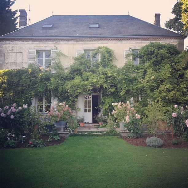 Ahh, the Garden ~ My French Country Home, French Living - Sharon Santoni