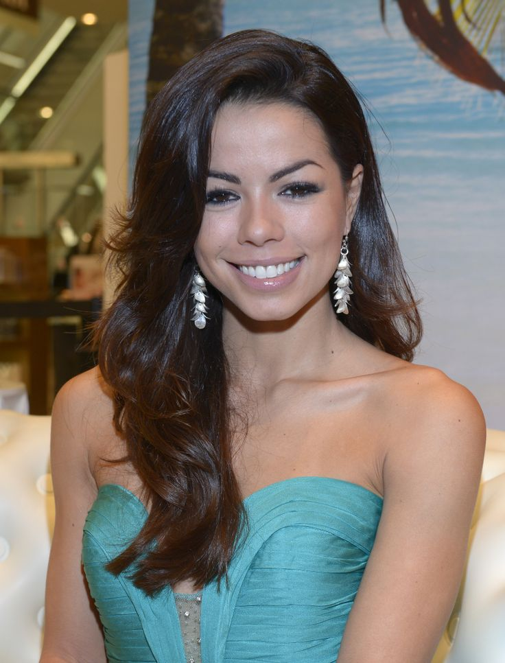 beautiful fernanda brandao wears strawberry & cream silver grace earrings