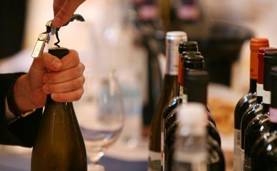In Vino Civitas: 2-4 dicembre. Salerno, le Luci d'Artista ed un focus sul vino