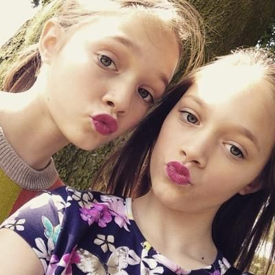 Daisy and phoebe! Twinzz