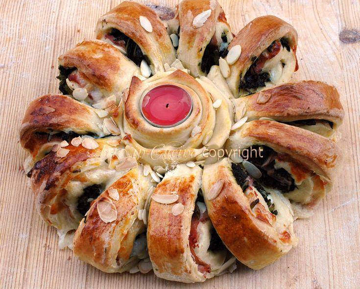Corona di pan brioche ripieno centrotavola natalizio ricetta vickyart arte in cucina